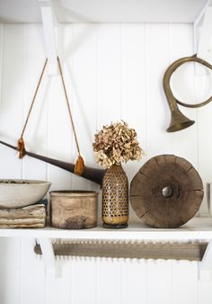Vignette styling is something that can be learned. Kara Rosenlund is teaching it at our school and I literally can't wait. Pinner: Megan Morton, stylist.