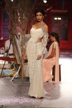 Monisha-Jaising-Índia-Couture-Week-2014-24 width =