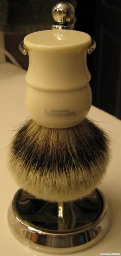 Interactive Guide to Shaving Brushes Shaving & Grooming, Men's Grooming, The Art Of Shaving, Close Shave, Shaving Brush, Guys Be Like, Freundlich, Cut And Style, Barber Shop
