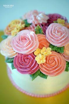 부산플라워케익 나나케익으로 어머님의 생신을 축하해드려요^^ by.나나 어머님생신날 특별히 준비한 케익이...
