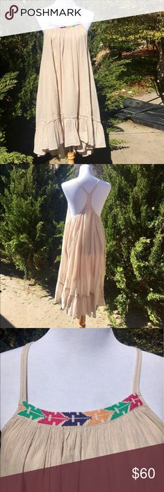 FREE PEOPLE x-mall boho dress! EUC Boho-chic lined flowy dress from FREE PEOPLE NORDSTROM with fabulous detailing! Fabric has subtle mini-stripes of tan and gray, yellow stitching, and beautiful embroidery on the neckline! Free People Dresses Midi