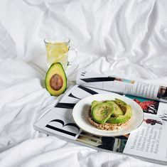 #Cooking #avocado #breakfast #healthybreakfast #breakfastflatlay #foodflatlay #juice #magazine #breakfastphoto
