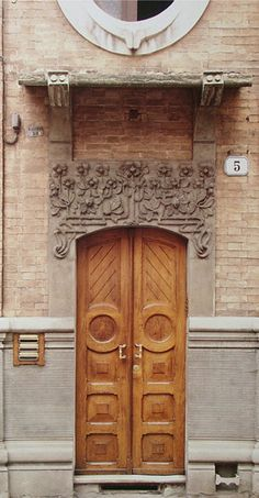 A lovely door from Turin, Italy... where part of my family is from!