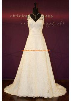 Schlichtes Schönes Brautkleid 2013 aus Spitze