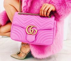 Do you love stylish and elegant handbags? Then take a look at our new collection now! We offer inexpensive and elegant accessories - nybb.de is the leading online store in Germany for women accessories! Gucci Bags, Chanel Handbags, Gucci Outfits, Cute Bags, Luxury Bags, Chanel Boy Bag, Pink Gucci Purse, Mini Bag, Fashion Bags