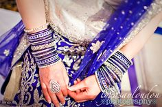 Blue and silver churiya Beautiful Indian Brides, Indian Accessories, Indian Wedding Ceremony, Bridal Bangles, Pakistani Bridal Wear, Beautiful Costumes, Saree Blouse Designs, Wow Products, Indian Dresses