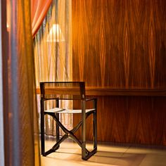 Folding chair in black polyamide mod. La Regista, Serralunga. // Silla plegable en poliamida negro mod. La Regista, Serralunga. // Sedia pieghevole in poliammide nero mod. La Regista, Serralunga. #foldingchair #sillaplegable #sediapieghevole #polyamide #poliamida #poliammide #serralunga
