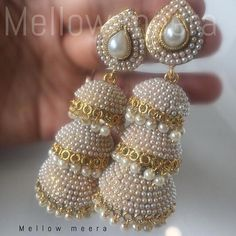 Gold Jewelry In China Indian Jewelry Earrings, Jewelry Design Earrings, India Jewelry, Bridal Earrings, Wedding Jewelry, Beaded Jewelry, Jhumki Earrings, Antique Jewellery Designs, Handmade Jewellery
