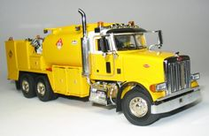 Peterbilt pretty sure this is a model. Toy Trucks, Fire Trucks, Model Truck Kits, Model Kits, Peterbilt Trucks, Peterbilt 379, Fuel Truck, Truck Scales, Plastic Model Cars