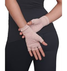 Volleyball Hand Bandage Gloves Complete Range Of Articles Hospitable 1pcs Breathable Comfort And Safety Elastic Movement Protection Breathable Gloves Basketball Weight Lifting