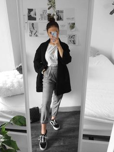 Autumn outfits Trendy outfits ideas for Winter style outfits Women Fashion Winter Outfits Fall Style Fashion Outfits Instagram Outfits, Instagram Party, Style Instagram, Summer Work Outfits, Winter Outfits, Spring Outfits, Summer Wardrobe, Ootd Spring, Summer Shoes
