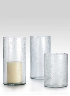4 1/2 x 6in Clear Bubble Glass VaseItem# BG-2783CLSize: 4 1/2inDiameterx6inHighColor: ClearEACH$5.50QTY:CASE OF 12 ($5.00 EA
