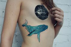 Alisa Tesla is a Russian tattooer in Saint-Petersburg, well-known for her tattoo style that primarily uses cool, bluish-purplish colors. Sea Life Tattoos, Dream Tattoos, Nature Tattoos, Body Art Tattoos, Soft Tattoo, Tattoo Arm, Tattoo Whale, 777 Tattoo, Geometric Art Tattoo