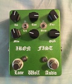Lone-Wolf-Audio-Iron-Fist-V2-Fuzz-Distortion-Guitar-Pedal-Overdrive-Doom-Stoner
