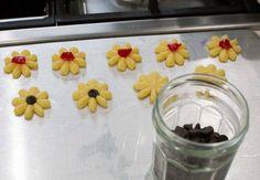 Galletas finas, receta chilena | En Mi Cocina Hoy Pudding, Sweet, Desserts, Food, Chocolates, November, Cupcakes, The World, Mermaid Cookies