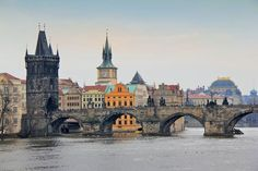 PRAGUE - CZECH REPUBLIC Ponte Carlos (Karlův most)