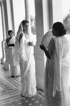 Magnum Photos Photographer Portfolio Henri Cartier-Bresson INDIA. Gujarat. Baroda (Vadodara). 1948. Festivities for the 39th birthday of the Maharajah. The Maharani II (The diamonds once belong to Napoleon).