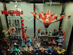 Marvel Lego display Good -vs- Evil