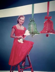 Janet Leigh Vintage everyday: 27 Beautiful Color Pictures of Celebrities Dressed for Christmas in the Past