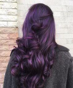 dunkelviolett mit Locken Pflaumenhaarfarbe