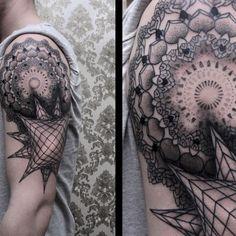 A+arte+do+tatuador+alemão+Chaim+Machlev+(Dots+To+Lines)Instagram