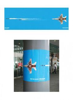 平和を呼びかける国際団体の屋外広告。ミサイルを放ったつもりが。。。