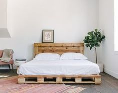 Home of the original Pallet Bed. For the modern and natural home. Our Pallet Beds are extremely sturdy and require no assembly. This King Size bed arrives in 3 solid pieces (pallets).