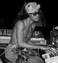 BEHIND THE GROOVES: a music blog by Jeff Harris, R&B/Funk keyboard legend Bernie Worrell...