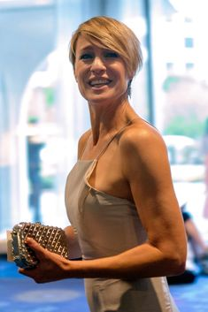 Robin Wright Robin Wright Age, Robin Wright Haircut, Claire Underwood Style, White House Correspondents Dinner, 2015 Hairstyles, Cute Hairstyles, Haircuts, Kevin Spacey, House Of Cards