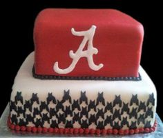 Should get someone to make this as a birthday cake for Cody one year. - Should get someone to make this as a birthday cake for Cody one year. Alabama Grooms Cake, Alabama Cakes, Cute Cakes, Pretty Cakes, Sport Cakes, Occasion Cakes, Roll Tide, Creative Cakes, My Guy