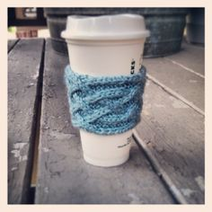 Free Knitting Pattern – Celtic Plait Coffee Cup Sleeve
