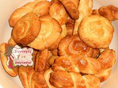 Κουλουράκια της Μαμάς Snack Recipes, Snacks, Easter Cookies, Pretzel Bites, Biscuits, Chips, Bread, Food, Snack Mix Recipes
