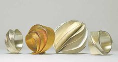 Violetta Elisa Seliger - Dynamically Flowing Lines / Online Magazine / Art Aurea