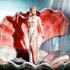 "vintagegal: Lana Turner plays a pagan priestess. vintagegal: "" Lana Turner plays a pagan priestess in The Prodigal "" Vintage Glamour, Glamour Hollywoodien, Old Hollywood Glamour, Vintage Hollywood, Vintage Beauty, Classic Hollywood, Vintage Fashion, Burlesque Vintage, Vintage Lingerie"