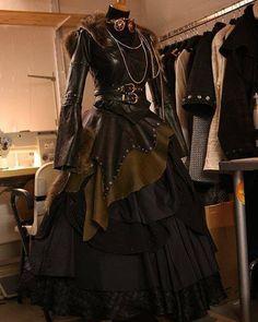 Steampunk Starshooter dress #steampunktendencies #steampunk #art...
