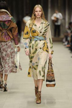 Burberry Prorsum RTW Fall 2014 - Slideshow - Runway, Fashion Week, Fashion Shows, Reviews and Fashion Images - WWD.com