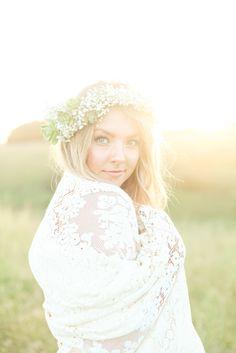 Flower Crown bohemian bride | Blue Lace Photography