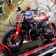 Honda CB 1100 TR a EICMA 2016 #honda#eicma#eicma2016#tracker#moto#motorcycle#motorbike#bike#special#picoftheday#photooftheday