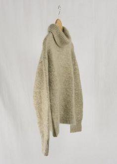 Sorént Oslo | LARA Knitted Sweater | Women's wear Hand Knitted Sweaters, Sweater Making, Winter Day, Oslo, Merino Wool, Hand Knitting, Fur Coat, Women Wear, Beige