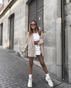 Chunky Sneakers Trend - Papas Turnschuhe - { fave outfits - outfit - looks } - Style Outfits, Trendy Outfits, Cute Outfits, Fashion Outfits, Womens Fashion, Fashion Clothes, Fashion Week, Look Fashion, Fashion 2018
