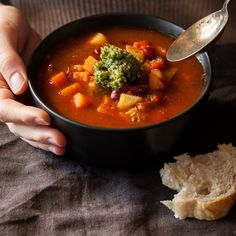 Easy Italian Minestrone Soup full of veggies and rich tomato flavours made in one pot.