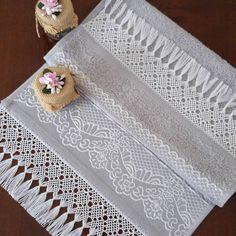 #ceyiz#çeyiz#elisi#elişi#oya#tirnakbagi#tırnakbağı#kastamonu#masaortusu#masaörtüsü#dugun#düğün#gelin#havlu#yöresel# Punch Art, Hand Embroidery, Hand Weaving, Diy And Crafts, Crochet, Handmade, Home Decor, Crochet Necklace, Dish Towels