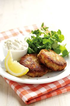 Easy Food Recipes and Cooking - Tuna Cakes 4 portions Tuna Dishes, Fish Dishes, Seafood Dishes, Fish And Seafood, Seafood Recipes, Cooking Recipes, Tuna Recipes, What's Cooking, Savoury Dishes