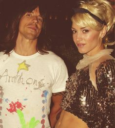 Anthony Kedis and Gwen Stefani... This pic is NUTS! My two MOST FAVORITE singers in one pic!