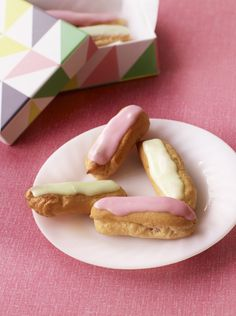 Paul Hollywood's pretty mini éclairs from Bake Off