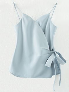 Light Blue Spaghetti Strap Bow Side Wrap Cami Top — 0.00 € ------color: Blue size: L,M,S
