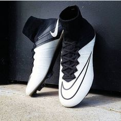 brand new ba218 15e4a Nuevos grandes Mercurial superfly del  techcraft Pic  ae football  Usa el  hashtag  total soccer  o