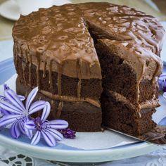 Ultra Moist Bar-One Chocolate Cake Cupcake Recipes, Baking Recipes, Cupcake Cakes, Dessert Recipes, Cupcakes, Poke Cakes, Just Desserts, Delicious Desserts, Yummy Food