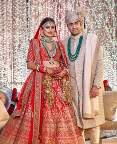 Wedding jewelry is a vital part of bridal wear. Many brides underestimate the need for selecting the most appropriate jewelry. The perfect necklace, earrings, Wedding Lehnga, Indian Wedding Gowns, Groom Wedding Dress, Indian Bridal Outfits, Indian Bridal Lehenga, Indian Bridal Fashion, Bridal Dresses, Wedding Sherwani, Red Lehenga