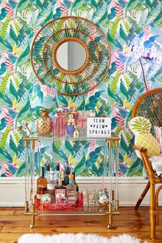 A Long Distance Palm Springs-Inspired Makeover (That *Gasp* Came in Under Budget) A Bold Wallpaper Choice Inspires This Living Room Makeover Bar Cart Styling, Bar Cart Decor, Design Hotel, House Design, Home Interior, Interior Decorating, Classic Interior, Luxury Interior, Decorating Ideas